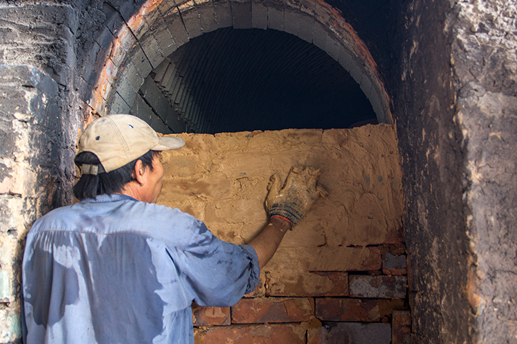 Sealing door of kiln